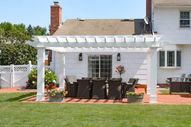 pergola backyard structure for parties